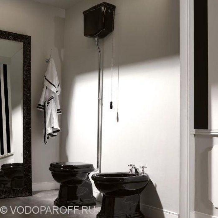 Унитаз черный напольный Kerasan RETRO 1011 с подвесным керамическим бачком на высокой трубе 1080