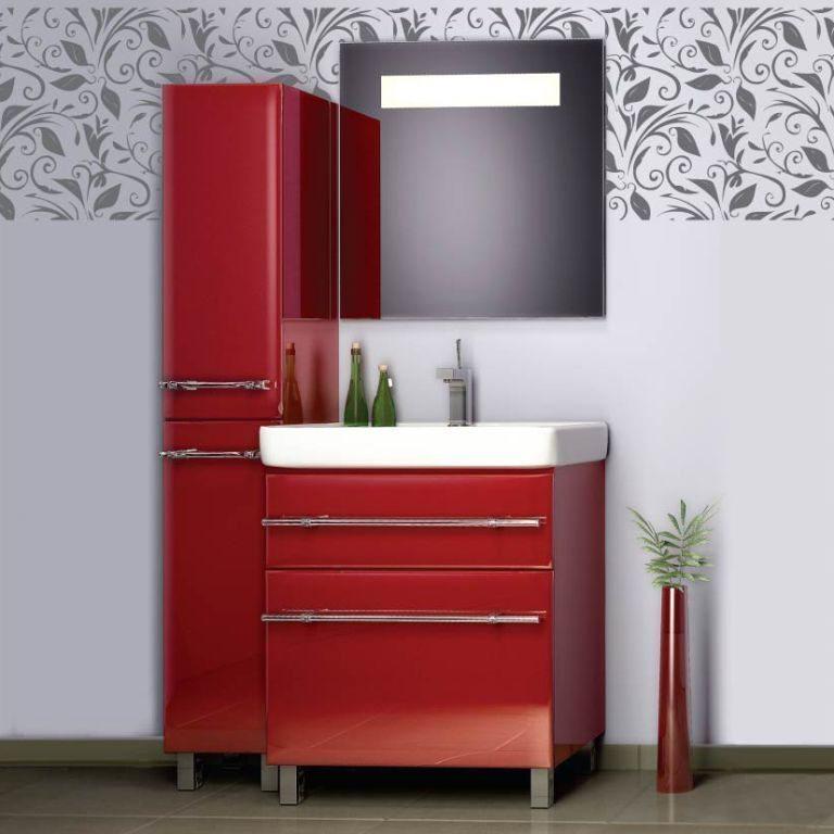 Купили мебель красно-бордовую...  Туалет и ванну можно оформить в одном...